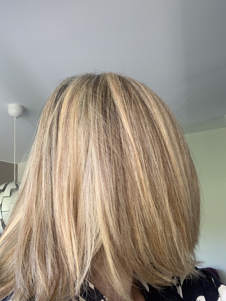 övergång från färgat till grått hår